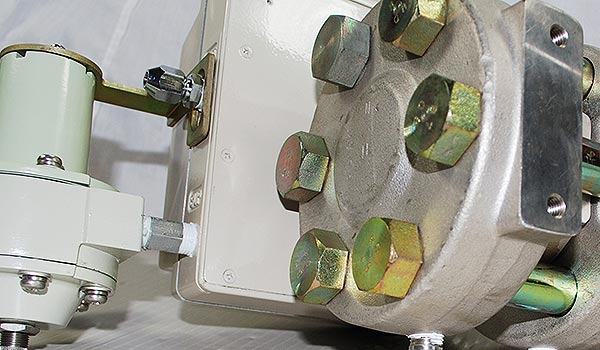 可调量程气动压力指示调节仪